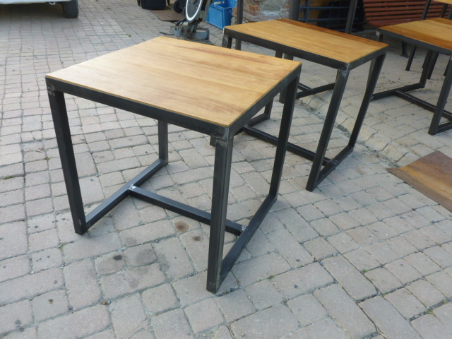 Cr ation meuble industriel bois m tal sur mesure for Table style industriel