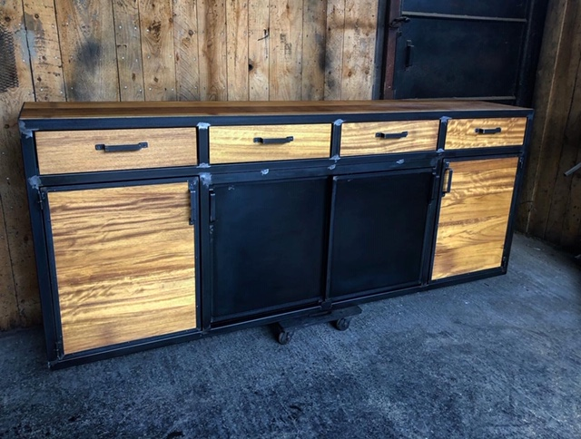 buffet design industriel 4 portes sur mesure