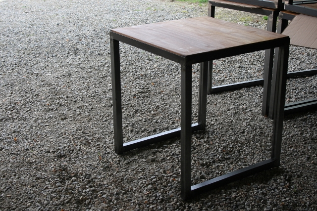 table bistro style industriel