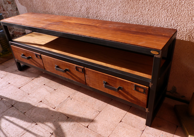 meuble industriel TV brocantetendance