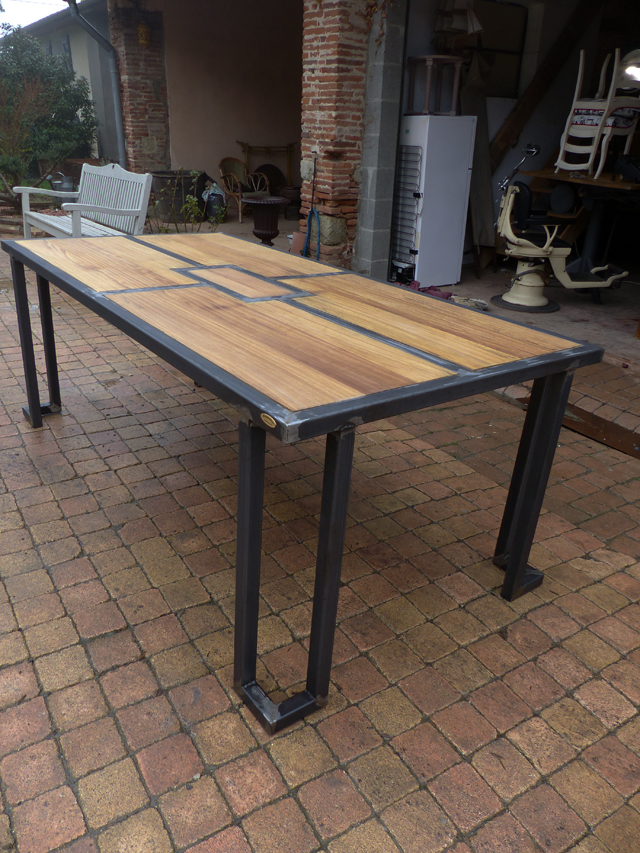 Brocantetendance fabrication sur mesure mobilier for Table exterieur industriel
