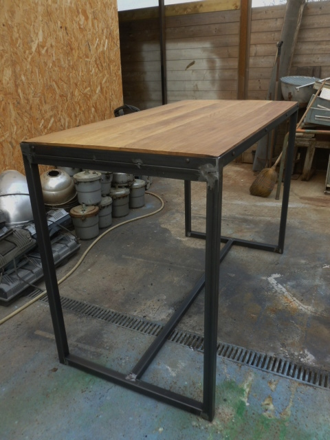 Meuble style industriel m tal bois fabrication sur mesure for Table de salon style industriel